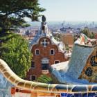 Barcelona,  Mosaike von Antoni Gaudi im Park Güell