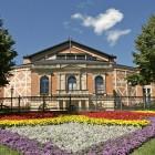 Blick auf das Festspielhaus Bayreuth