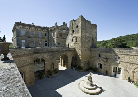 Chateau de Rochegude Aussenanlage