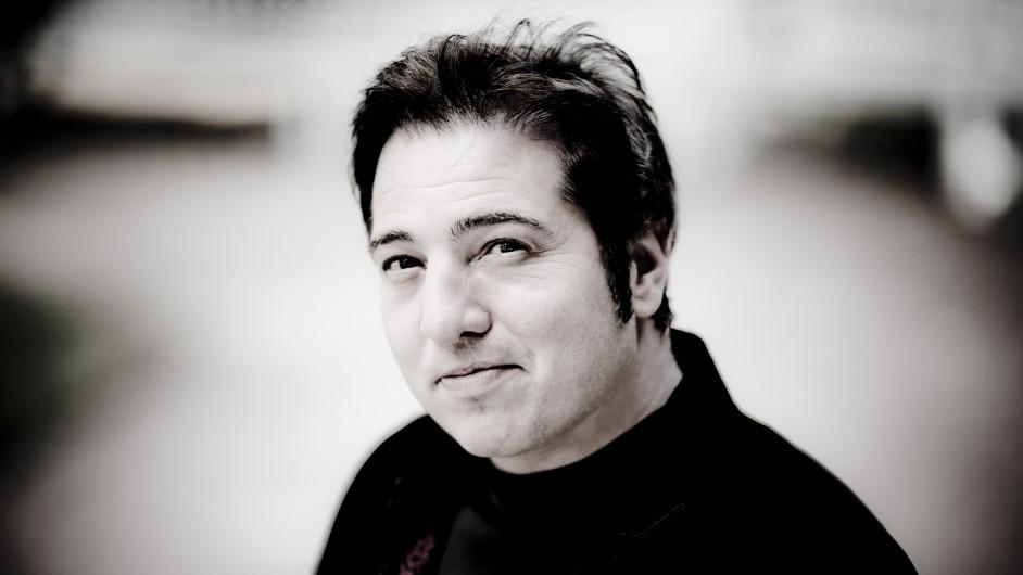 Portrait des Pianisten und Komponisten Fazil Say