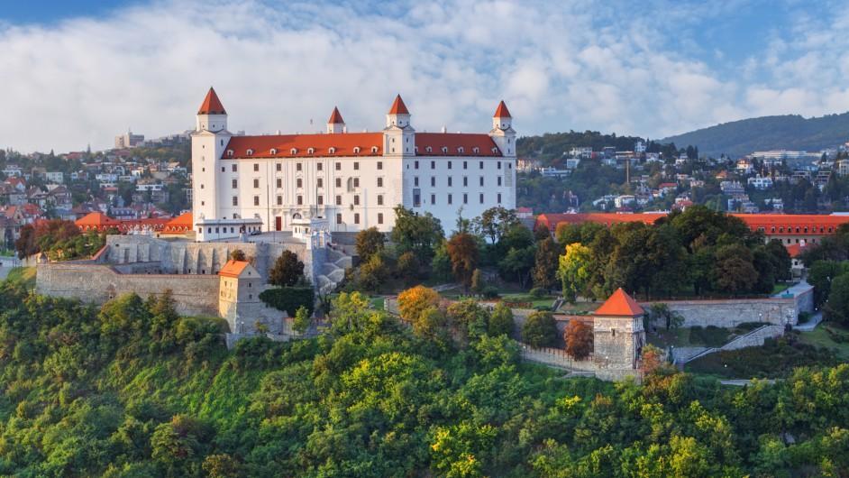 Schloss bei Bratislava am Abend