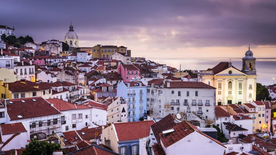 Blick über das Viertel Alfama in Lissabon